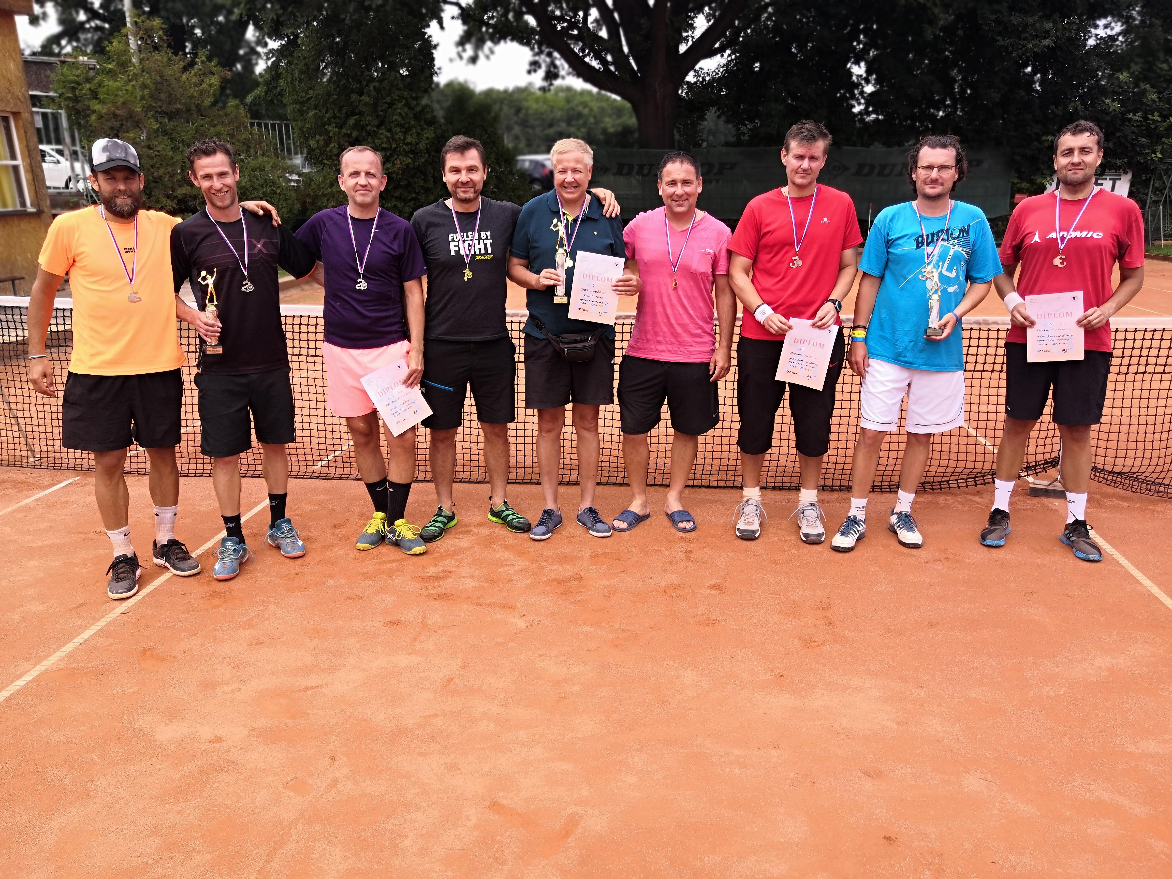 Společné foto medailistů